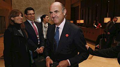 Boletines RNE - Luis de Guindos confirma que la economía española crecerá en el primer trimestre por encima de la media de la UE - Escuchar ahora