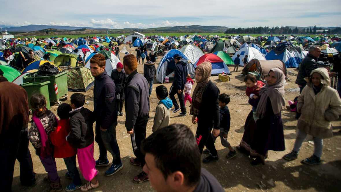 Las mañanas de RNE - Eslovenia y Serbia aumentarán las restricciones para que los refugiados crucen sus fronteras - Escuchar ahora