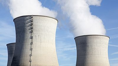 Entre paréntesis - Cinco años del accidente de Fukushima. ¿Ha mejorado la seguridad de las nucleares? - Escuchar ahora