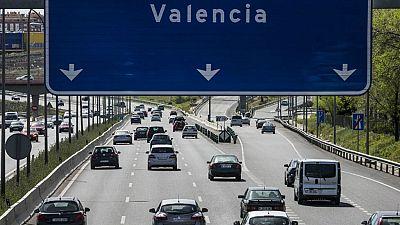 Boletines RNE - La DGT prevé 14,5 millones de desplazamientos durante Semana Santa - Escuchar ahora