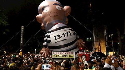 Radio 5 Actualidad - Miles de personas salen a la calle en Brasil pidiendo justicia y dimisiones - Escuchar ahora