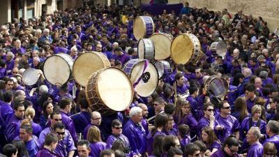 España vuelta y vuelta - Las tamboradas de la Semana Santa española - Escuchar ahora