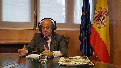 Las mañanas de RNE - De Guindos avanza que la economía española seguirá creciendo a mayor ritmo que la de nuestro entorno - Escuchar ahora