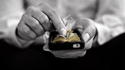 Entre paréntesis - La lectora futura, la nueva red social del libro - Escuchar ahora