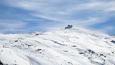 Entre paréntesis - Sierra Nevada, el parque nacional más extenso de España - Escuchar ahora