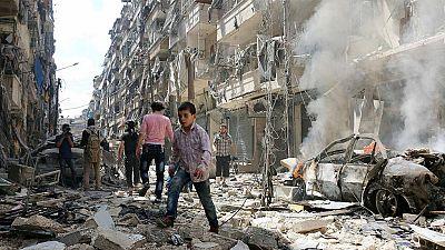 Entre paréntesis - ¿Qué normas rigen en el derecho internacional humanitario en tiempos de guerra? - Escuchar ahora