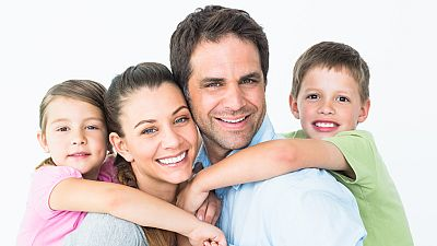 El canto del grillo - 'La pareja en familia', un manual para que la llegada de los niños no dañe la pareja - Escuchar ahora