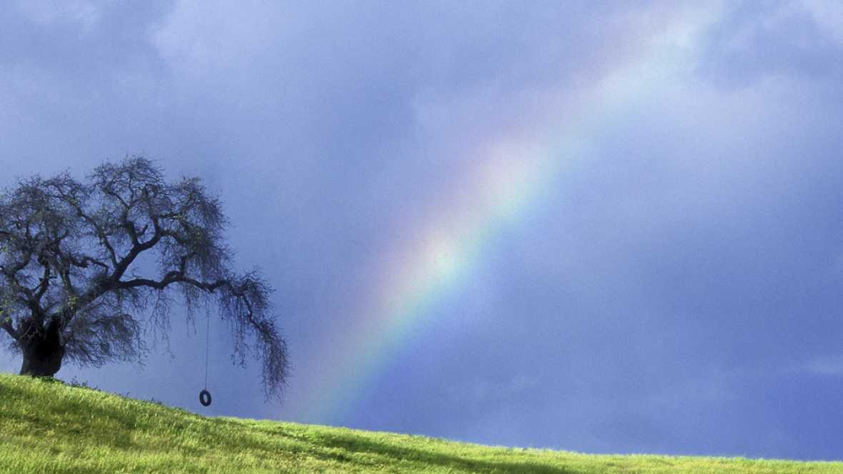 A hombros de gigantes - Congreso internacional en Granada sobre luz y color en la naturaleza: Arcoíris, halos, glorias, auroras o el rayo verde - 23/05/16 - Escuchar ahora