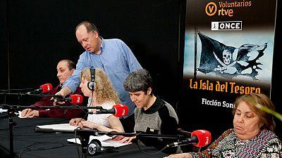 Entre paréntesis - Un grupo de trabajadores y afiliados de la ONCE graba una ficción sonora en RNE - Escuchar ahora
