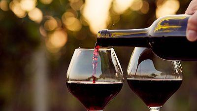 Entre paréntesis - Nueva iniciativa para recuperar el consumo de vino en España - Escuchar ahora
