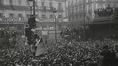 Documentos RNE - La Segunda República Española revisitada. 85 años desde su proclamación - 25/07/16 - escuchar ahora