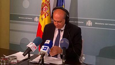 """Las mañanas de RNE - Fernández Díaz ve """"mezquinas"""" las palabras de Puigdemont sobre la Policía - Escuchar ahora"""