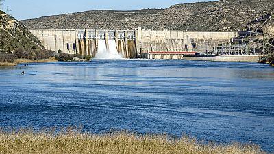 Entre paréntesis - Una nueva política del agua en España - Escuchar ahora