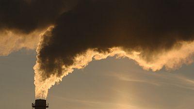 Entre paréntesis - La contaminación del aire provoca más de 33.000 muertes prematuras al año en España - Escuchar ahora