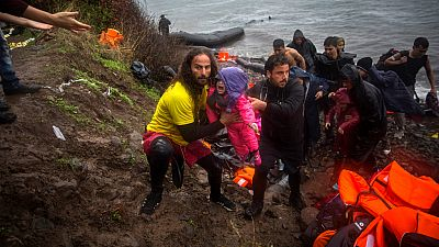Entre paréntesis - Proactiva Open Arms envía un barco medicalizado a las costas de Libia - Escuchar ahora