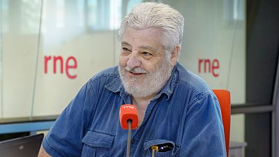 Las mañanas de RNE - Vicente Romero presenta el libro 'Habitaciones de soledad y miedo' - Escuchar ahora