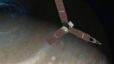 España vuelta y vuelta - La sonda espacial Juno estudia Júpiter, el planeta gigante - Escuchar ahora