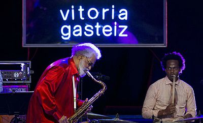 Las mañanas de RNE - Charlamos con el presidente del Festival de Jazz de Vitoria, Iñaki Añúa, y con José Miguel López, presentador de 'Discópolis' - Escuchar ahora