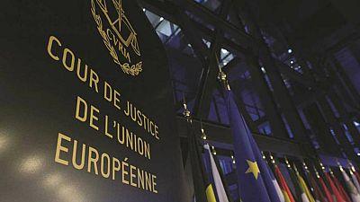 Boletines RNE - El Tribunal de Justicia de la UE avala que se devuelvan las cláusulas suelo solo desde mayo de 2013 - Escuchar ahora