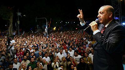 Radio 5 Actualidad - Erdogan continúa limpiando cualquier rastro golpista - Escuchar ahora