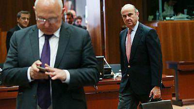 Las mañanas de RNE - España, pendiente de la multa de la Comisión Europea por sobrepasar el objetivo de déficit - Escuchar ahora