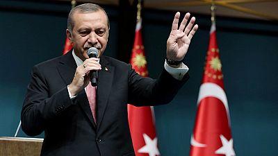 Las mañanas de RNE - Erdogan anuncia que los seguidores del Güllén serán juzgados como miembros de organización terrorista - Escuchar ahora