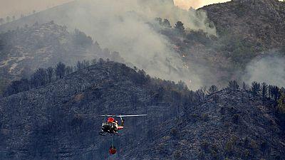 Boletines RNE - Los incendios forestales de la Comunidad Valenciana siguen activos - Escuchar ahora