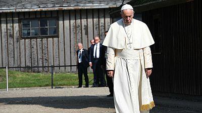 Diario de las 2 - El papa ha recorrido, en silencio, el campo de concentraci�n de Auschwitz - Escuchar ahora