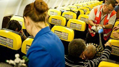 A su salud - Emergencias médicas en vuelo - 31/08/16 - Escuchar ahora