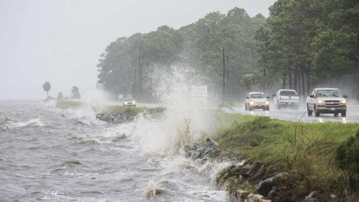 Boletines RNE - El huracán Hermine toca tierra en Florida - 02/09/16 - Escuchar ahora