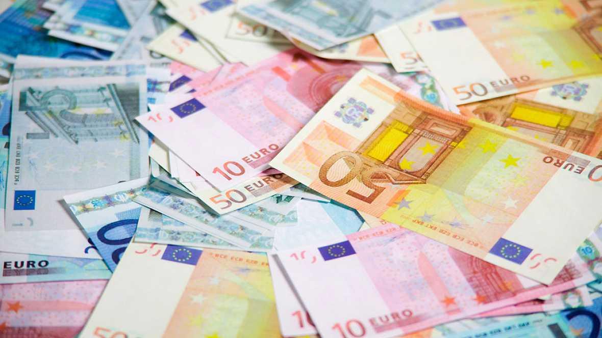España vuelta y vuelta - La economía mejora a pesar de la falta de Gobierno, ¿por qué? - Escuchar ahora