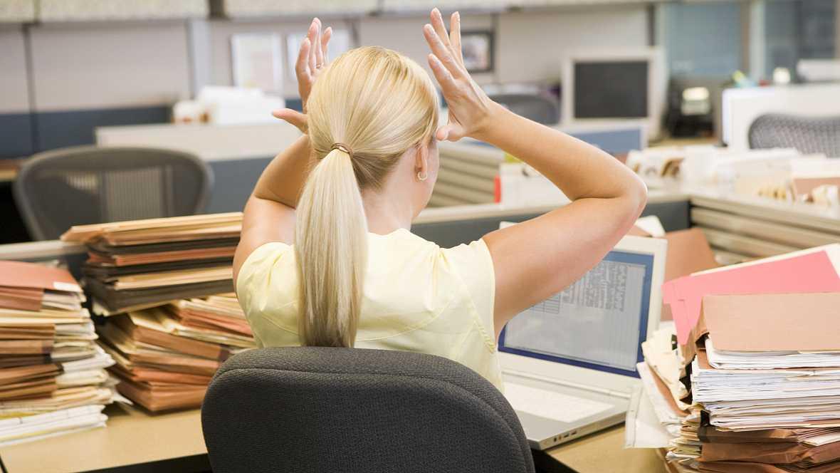 Diez minutos bien empleados - Horas extras sin pagar: ¿Práctica en aumento? - 12/09/16 - Escuchar ahora