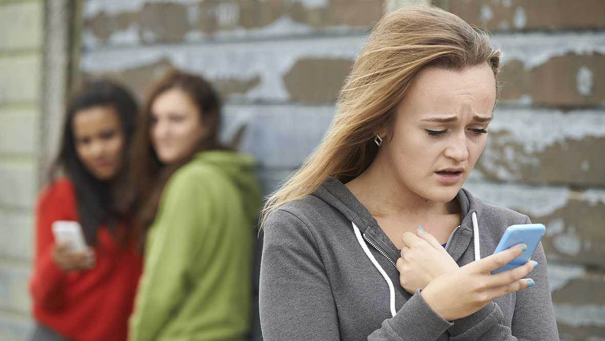 Punto de enlace - El acoso escolar y el ciberacoso, mayoritario en las chicas - 22/09/16 - escuchar ahora