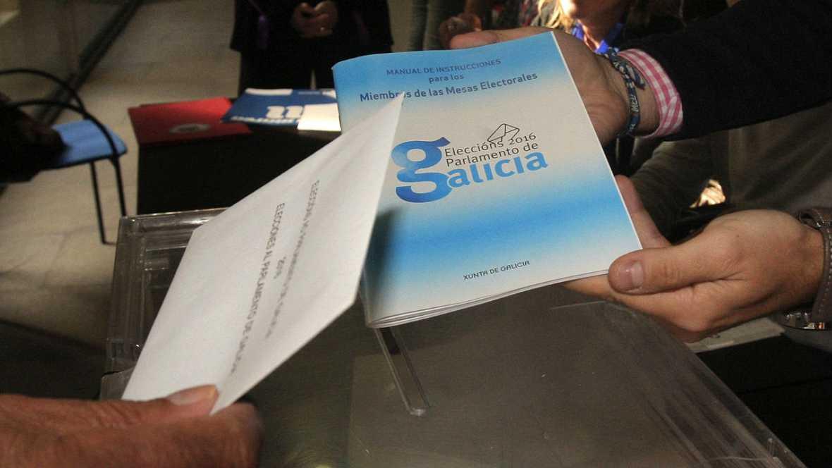 Boletines RNE - A las 12:00 la participación en las elecciones gallegas superaba en dos puntos a las de 2012 - Escuchar ahora