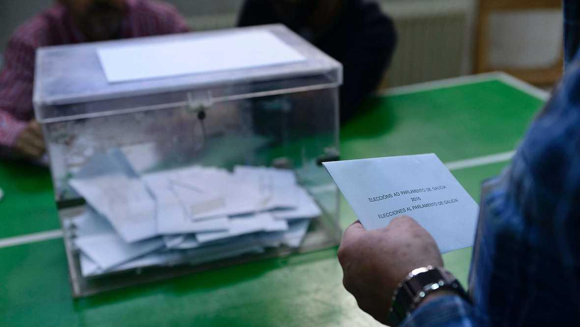 Boletines RNE - La participación en Galicia iguala  a la que se registro en las elecciones de 2012 - Escuchar ahora