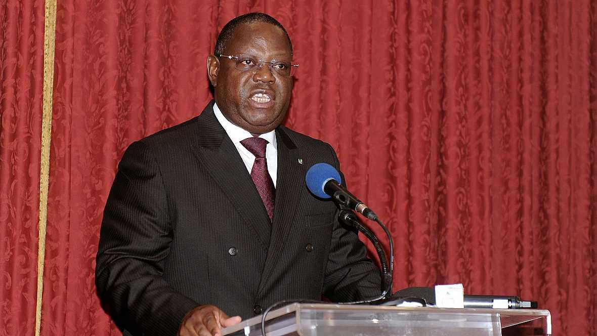 África hoy - Emmanuel Issoze, nuevo primer ministro de Gabón - 30/09/16 - escuchar ahora