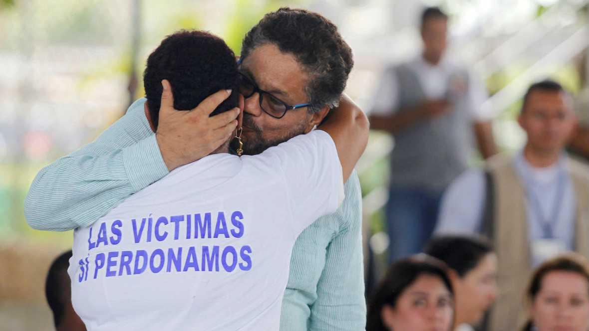 Boletines RNE - Colombia entre el si y el no ante el reféndum por la paz - Escuchar ahora