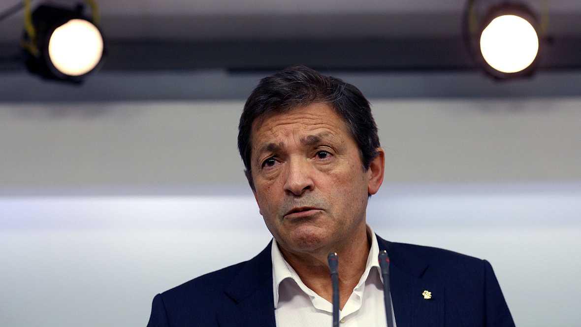 Las mañanas de RNE - Javier Fernández se reúne con el Grupo Parlamentario del PSOE - Escuchar ahora