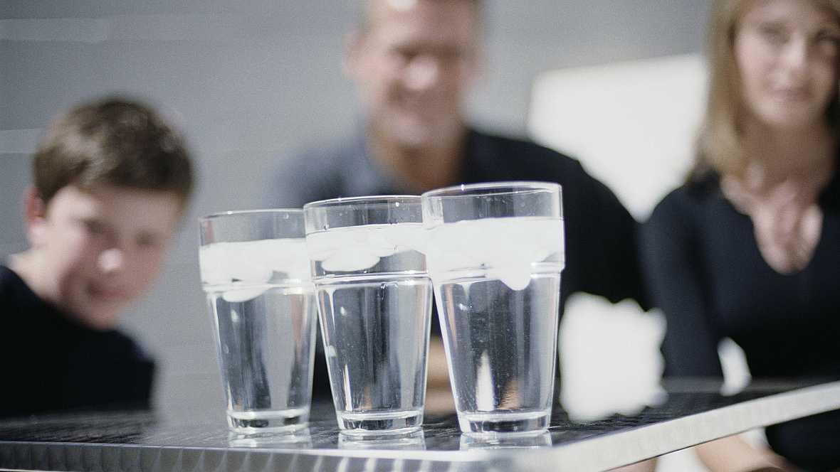 Radio 5 Actualidad - Aumenta el consumo de agua en los hogares españoles - 04/10/16 - Escuchar ahora