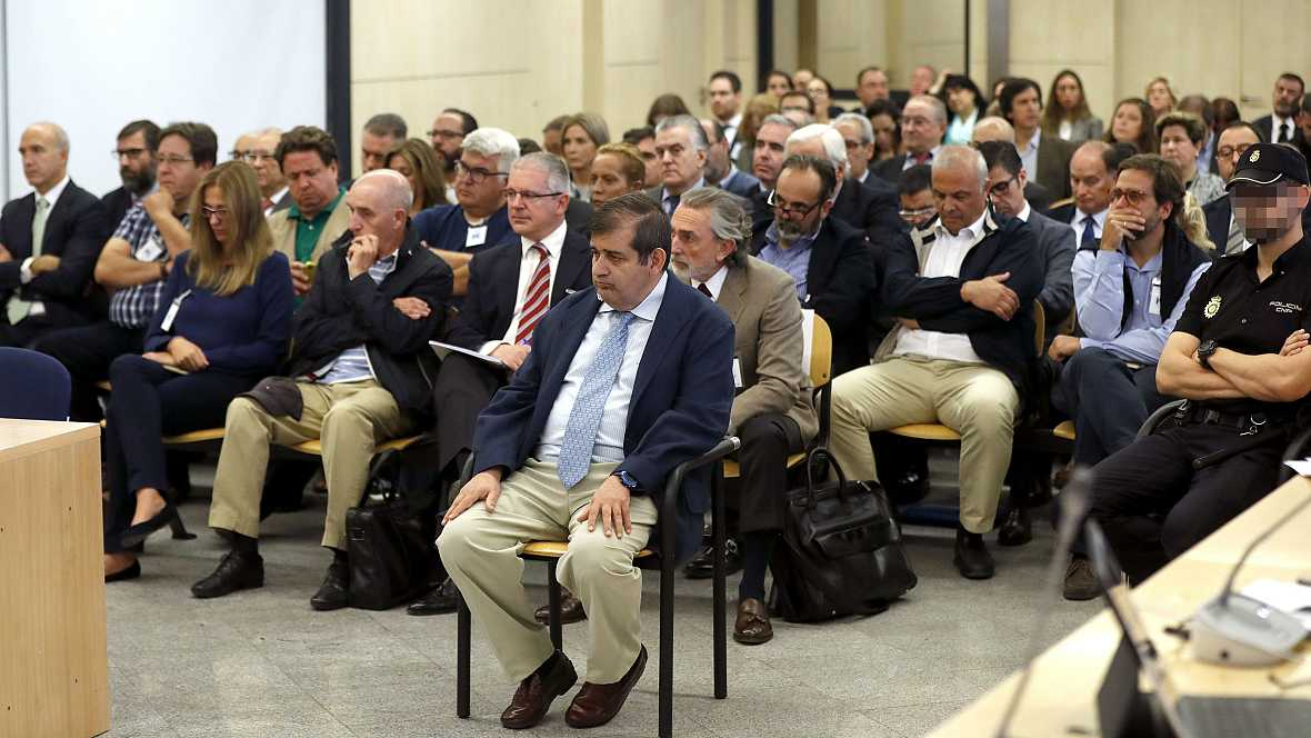 Boletines RNE - La Audiencia Nacional juzga la primera etapa de la trama Gürtel - 04/10/16 - Escuchar ahora