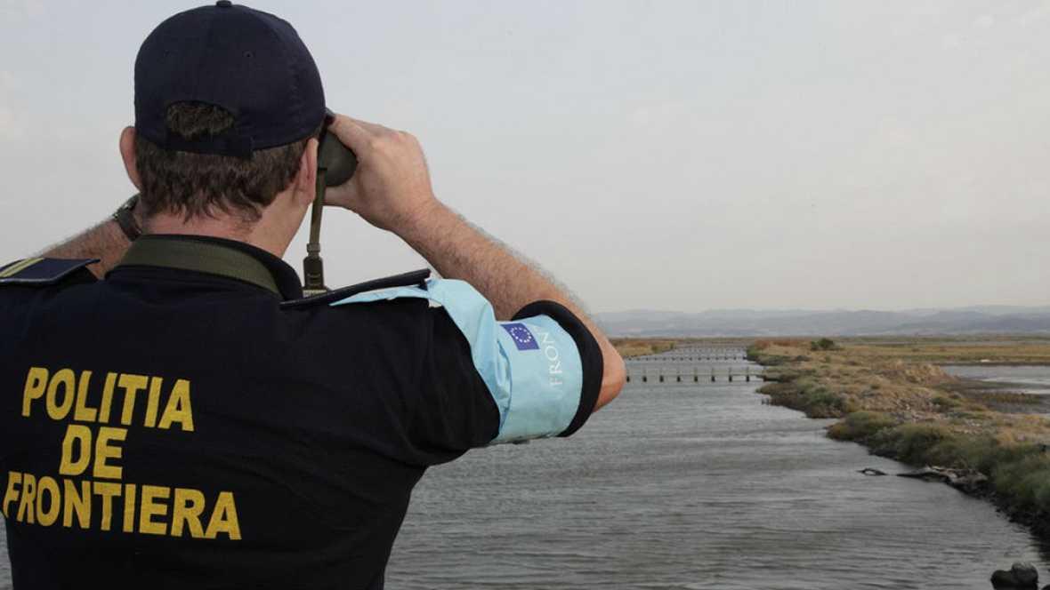 Boletines RNE - Comienza a funcionar la Guardia de Fronteras y Costas en la UE - 06/10/16 - Escuchar ahora
