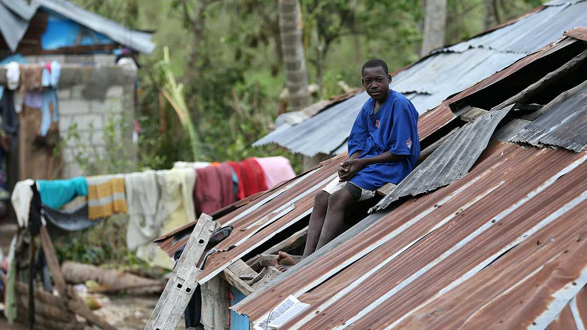 Las mañanas de RNE - El huracán Matthew arrasa Haití y se dirige a Florida - Escuchar ahora