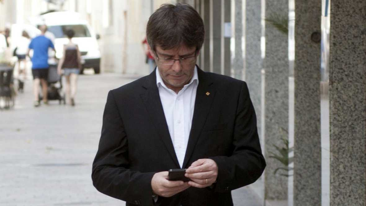 Boletines RNE - Puigdemont quiere negociar con el Estado la fecha del referéndum - 10/10/16 - Escuchar ahora