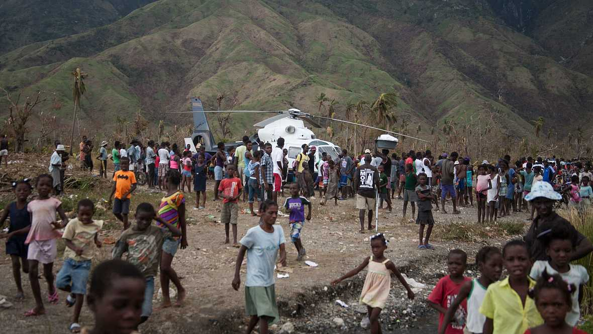 Las mañanas de RNE - Haití, en situación de extrema gravedad tras el paso del huracán Matthew - Escuchar ahora