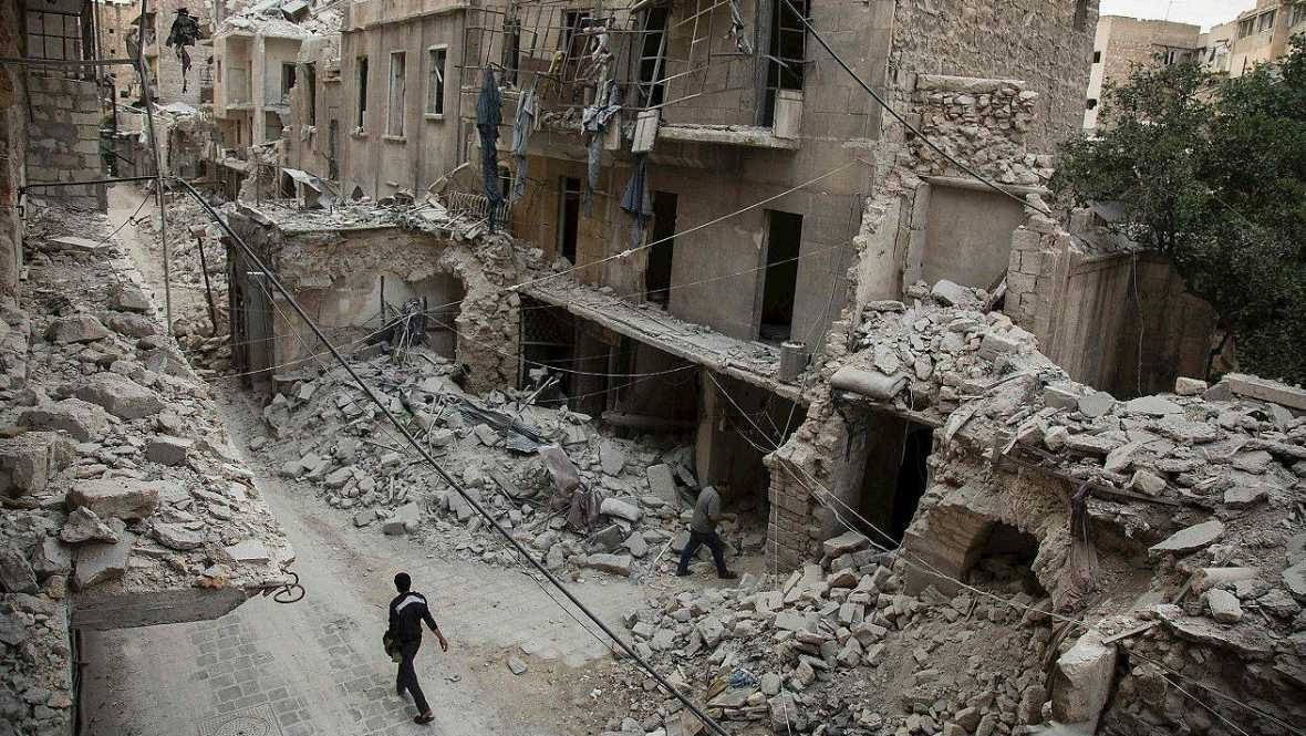 Las mañanas de RNE - Rusia cada vez más aislada por sus bombardeos en Siria - Escuchar ahora
