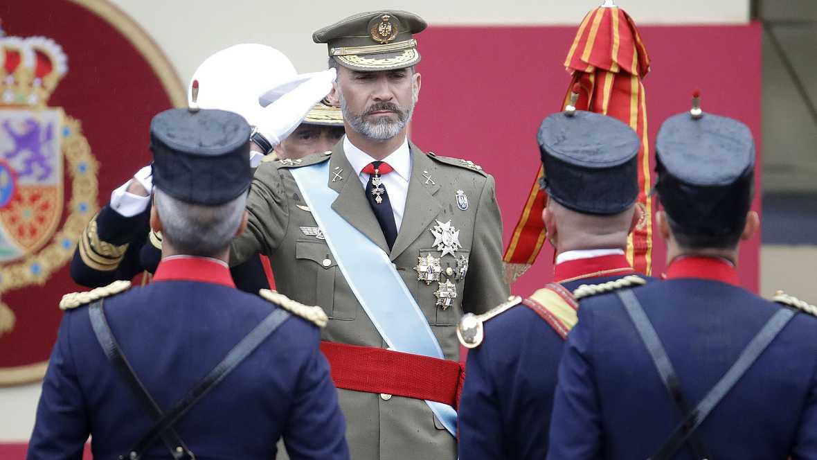 Boletines RNE - En marcha el Desfile Militar con motivo de la Fiesta Nacional - 12/10/16 - Escuchar ahora