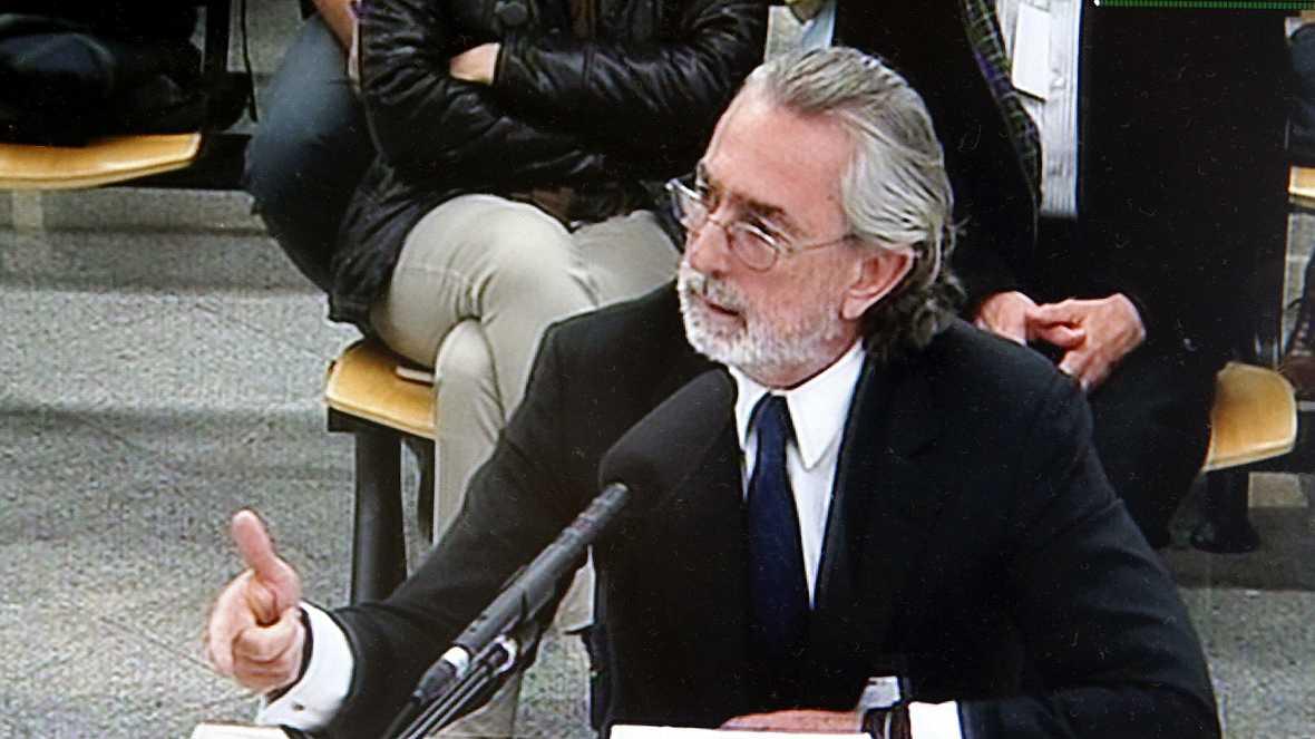 Boletines RNE - Francisco Correa reconoce dádivas a Barcenas y otros acusados del PP - 13/10/16 - Escuchar ahora