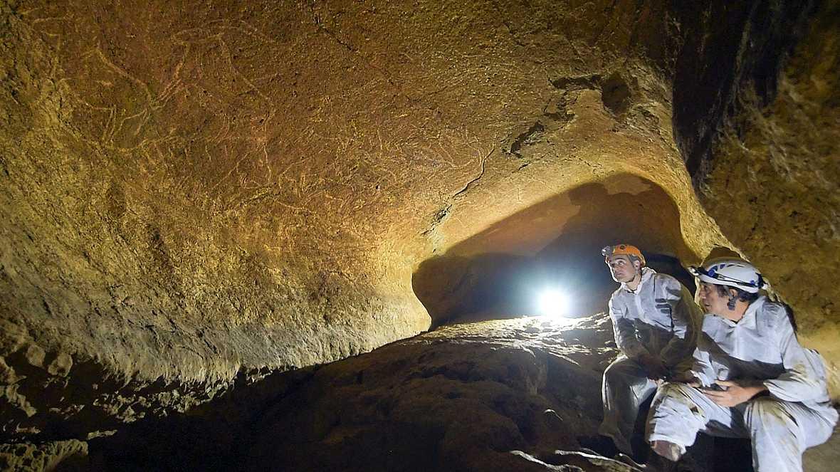 Radio 5 Actualidad - Espectaculares grabados prehistóricos en la cueva de Armintxe - 14/10/16 - Escuchar ahora