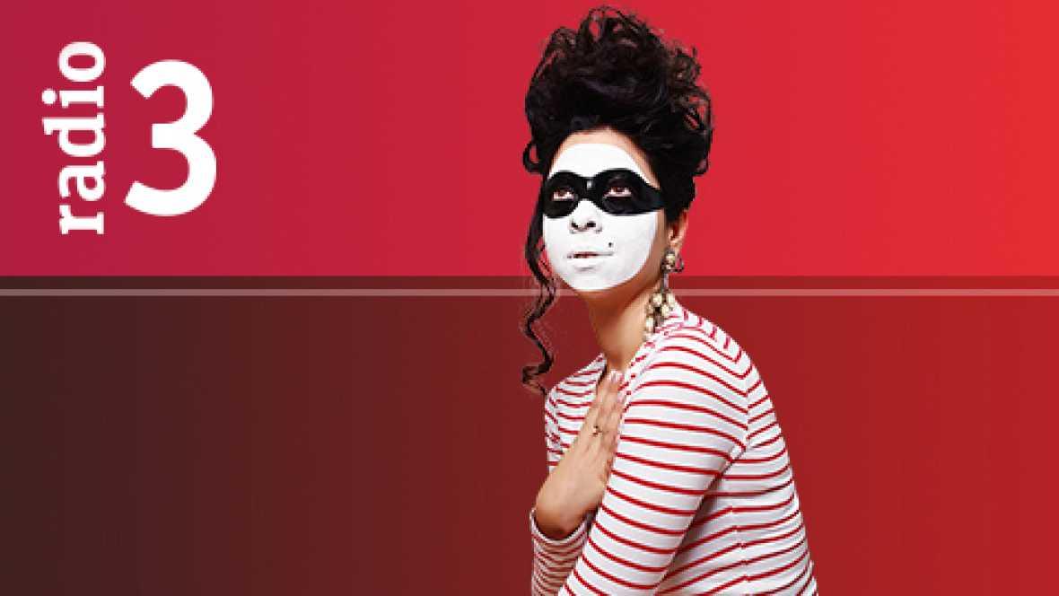 Dramedias con Paloma Cortina - La isla del hombre lagarto con Silvia Valero - 16/10/16 - Escuchar ahora -