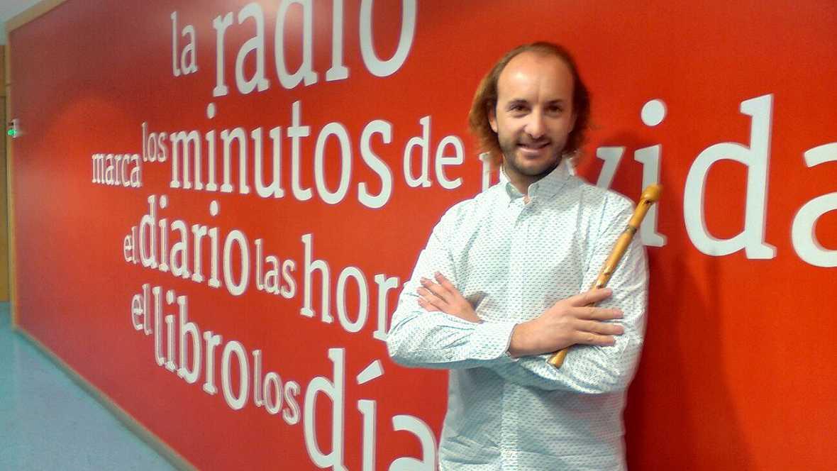 Punto de enlace - Óscar Ibáñez fusiona la música gallega con los ritmos de América - escuchar ahora